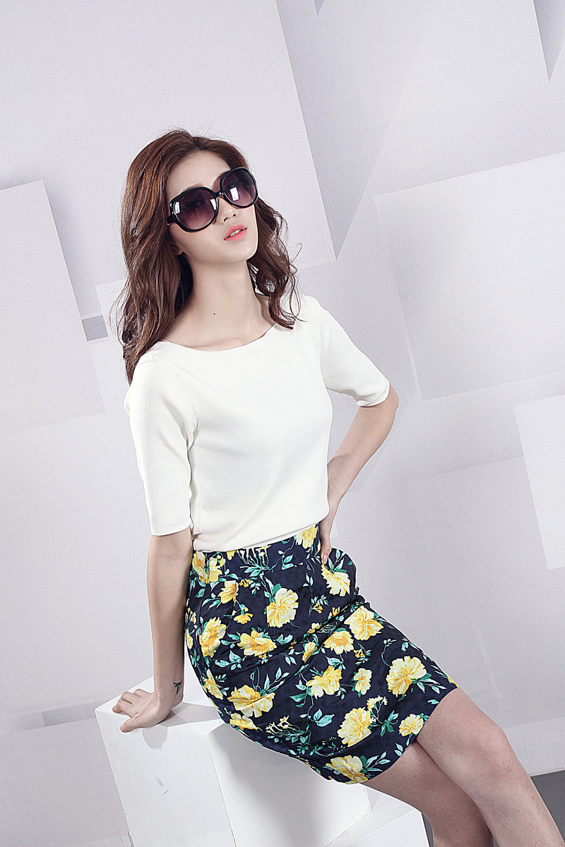 Korean version of the consultancy firm booz bottoming career high waist skirts package hip skirt slim was thin printing step skirt skirt skirt package