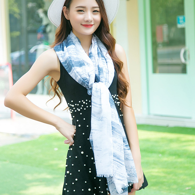 Korean version of the printed scarves female dongkuan warm striped cotton twill printed scarves scarf shawl dual sun