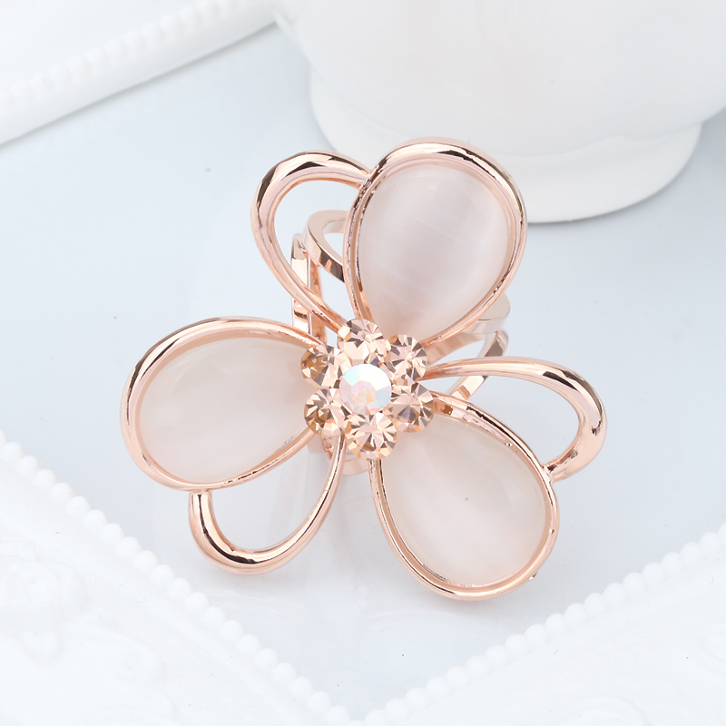 Lulu treasure flowers cat fashion scarf ring scarf scarf buckle tricyclic ring white female models take heisi2