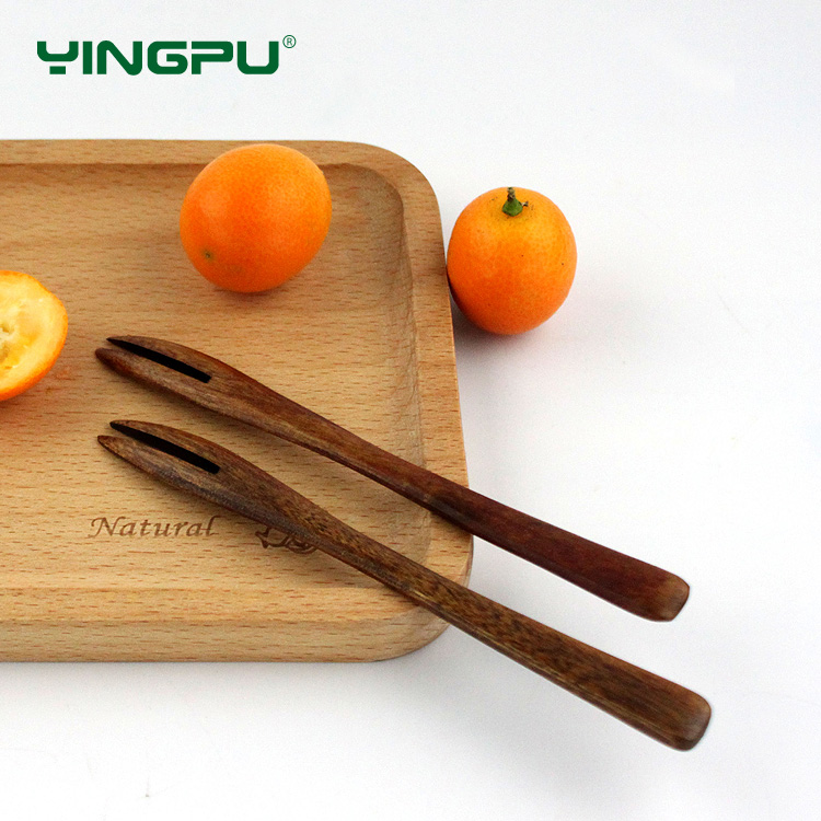 Nan wood pu sakura fruit fork korea creative cute child safety fruit fork fruit dessert signed fork fruit wood