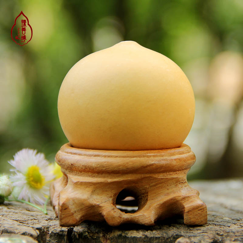 Natural boutique playing hand twist small gourd man playing hand pieces ornaments shaped egg gourd feng shui crafts