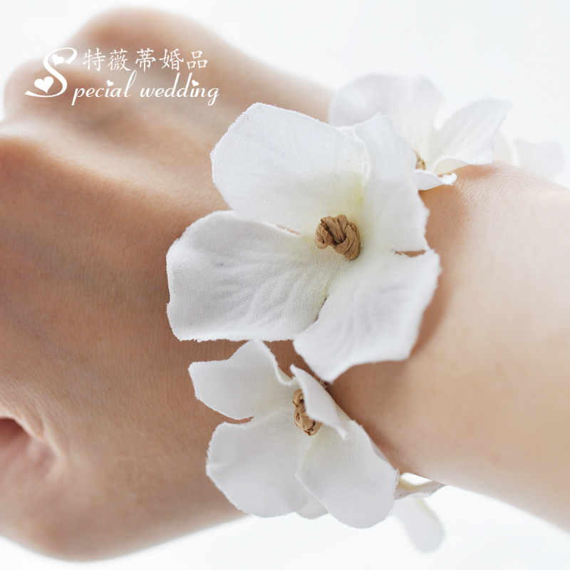 New wedding supplies wedding arrangement decorated bridal flower wrist wrist flower bridesmaid sisters hand flower korean flower petals