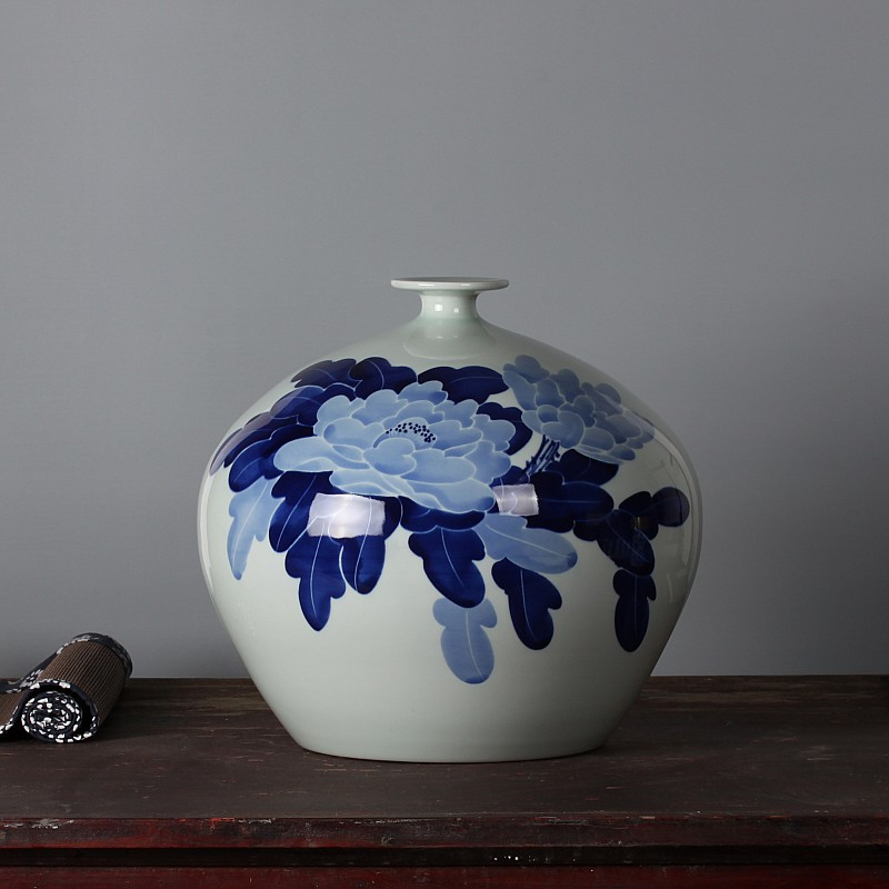 Pomegranate vase jingdezhen ceramics famous masterpieces painted blue and white porcelain blue and white peony aromatic