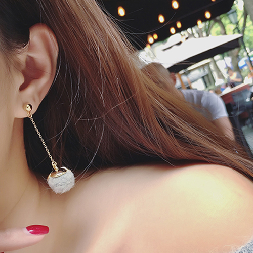 Pui ling xi korean new autumn and winter sweet temperament fur personality asymmetrical earrings ear ring