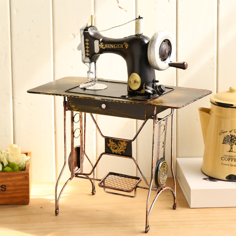 Retro vintage sewing machine model clothing shop window decorations props wine ornaments creative home furnishings