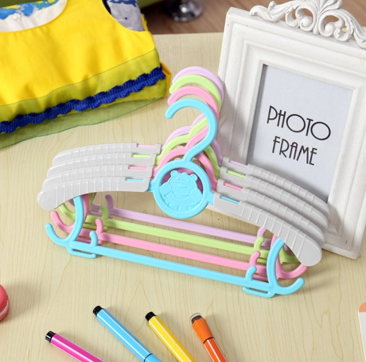 Small plastic children's hangers stays infant slip hangers plastic hangers slip adult clothes hanger telescopic adjustable hanger