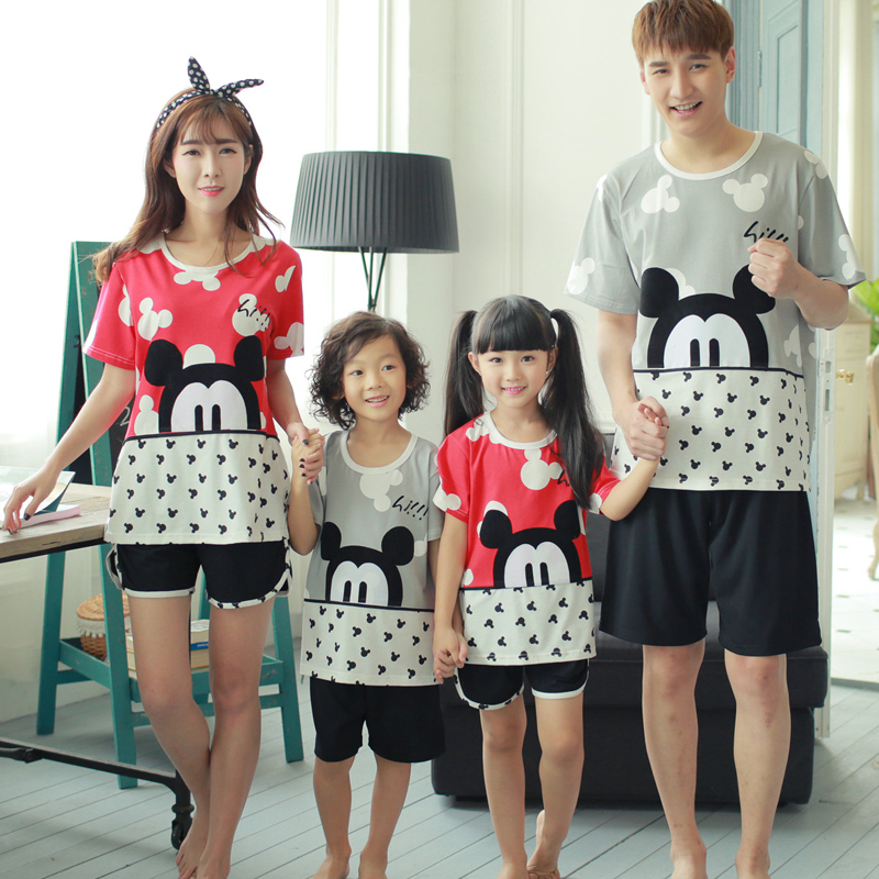 Summer family fitted cotton pajamas tracksuit short sleeve cotton lovers men and women card through the mother and daughter pajamas pyjamas