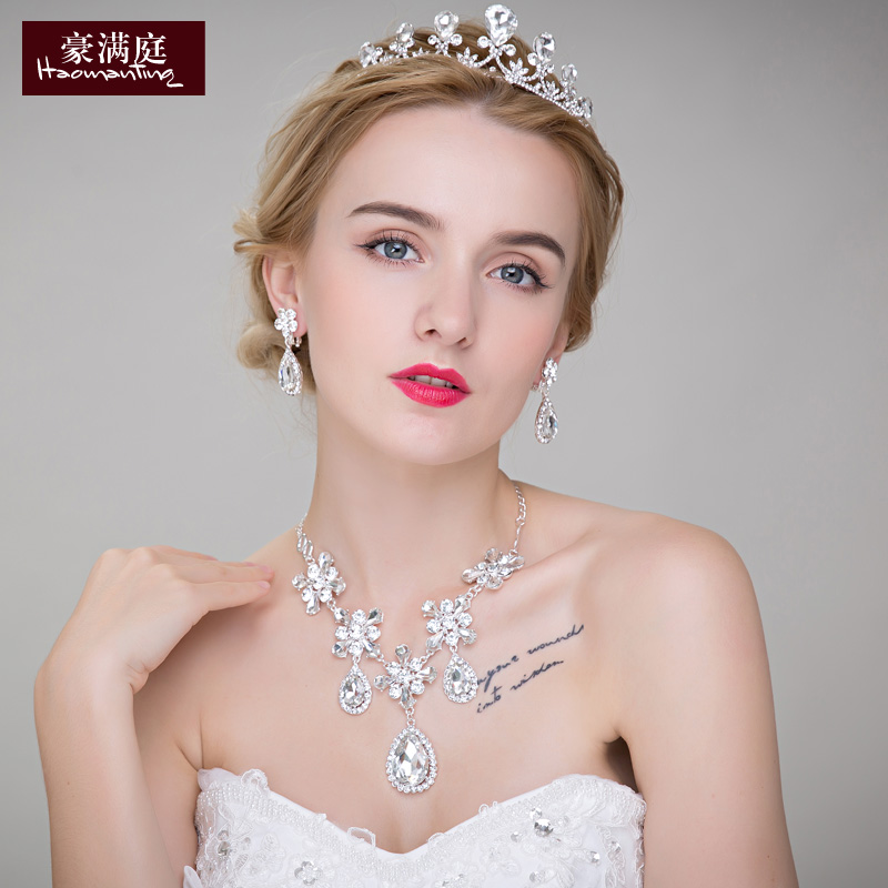 The bride crown headdress hair accessories wedding accessories wedding ceremony jewelry rhinestone necklace earrings wedding suit three sets