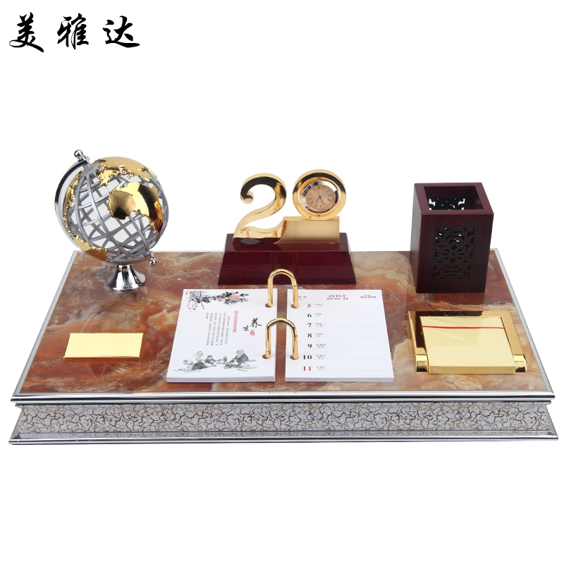 The company opened for business gifts office ornaments leadership boss office desktop decorations observatory desk calendar