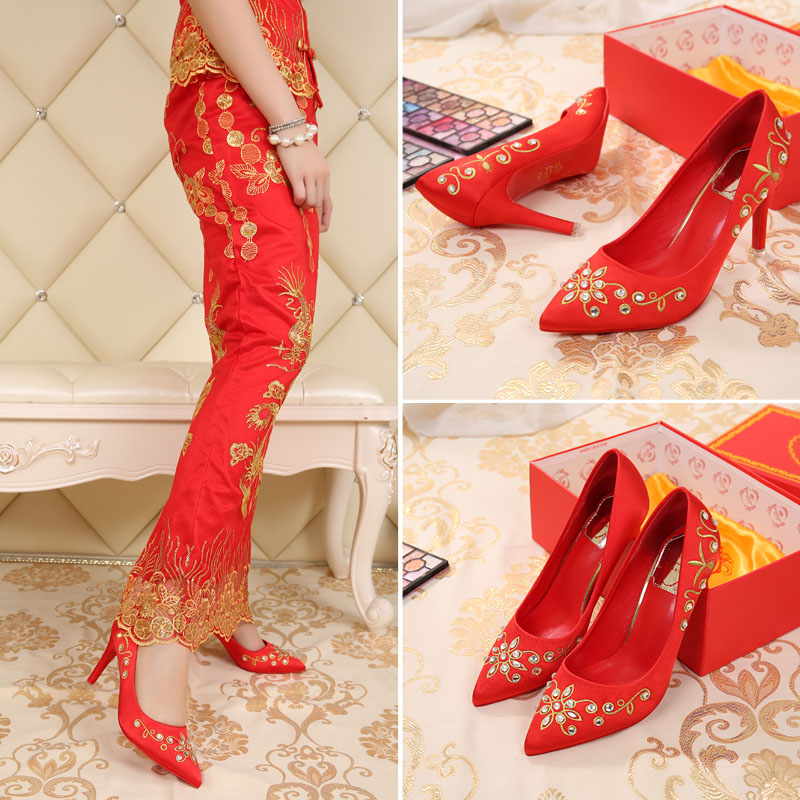 The new diamond embroidered satin bridal shoes wedding shoes red high heels fine with pointed dress shoes crystal wedding shoes
