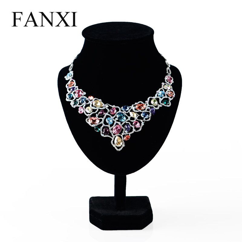 Where the west fanxi ice velvet necklace display rack model portrait neck jewelry display props