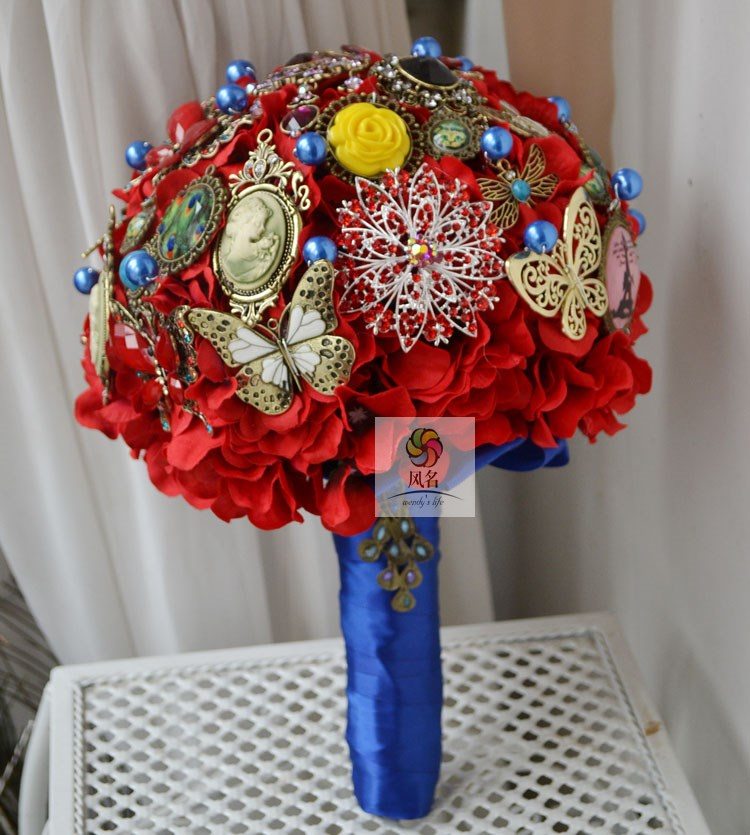 Wind name handmade jewelry brooch holding flowers wedding bride holding flower floral retro red and blue