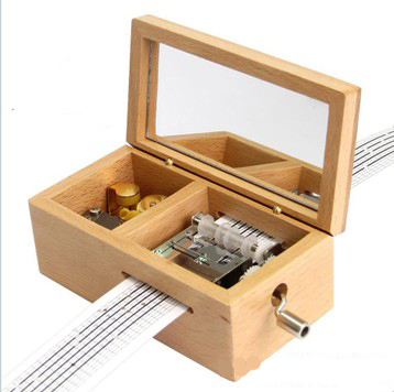 Free shipping wooden jewelry box music box music box movement sankyo cranked wooden music box halloween day gift to send his girlfriend