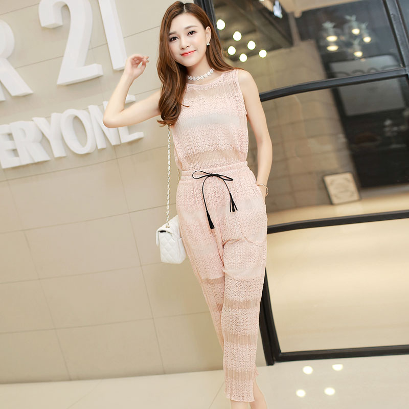 2016 new summer korean version of openwork lace shirt sleeveless lace elastic waist pants nine points pants piece fitted women