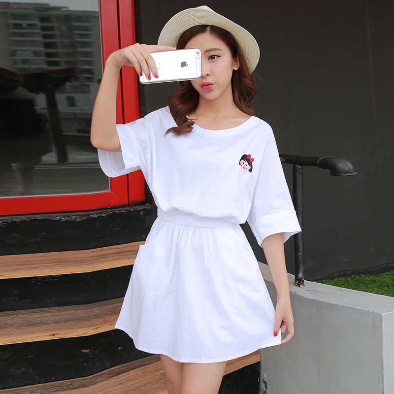 Adolescent boys junior high school students college wind girls summer cartoon round neck sweet embroidered dress