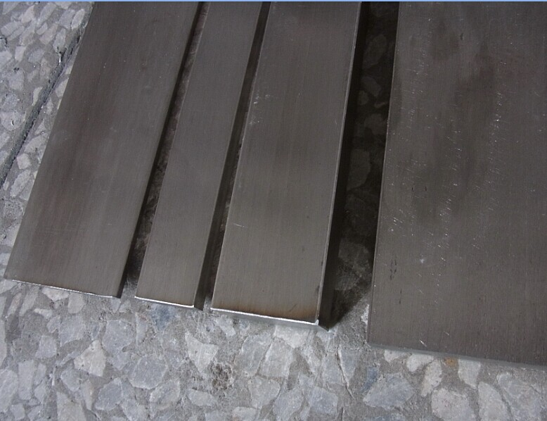Article 304 stainless steel flat stainless steel flat bar steel block row of stainless steel square steel with The mold table