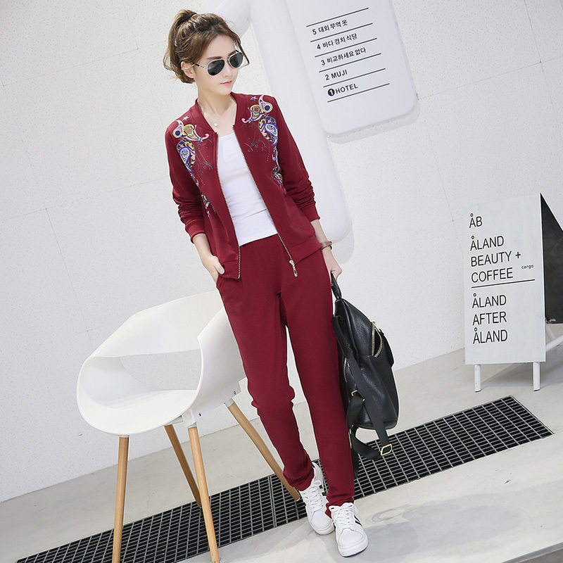 Autumn korean version of slim sports suit women casual sports suit autumn paragraph flow line little shorty