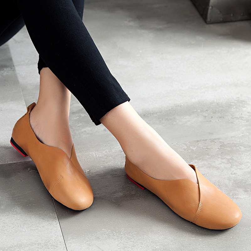 Autumn new retro leather shoes shallow mouth lazy shoes peas shoes mom grandma mom shoes comfortable shoes flat shoes for pregnant women