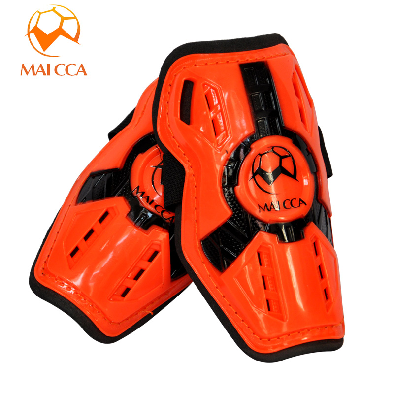 Children's football protective gear professional football shin pads football shin pads protect the calf lightweight shield flapper