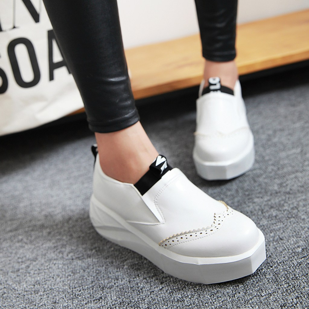 c54ed6710 Get Quotations · College wind girl student shoes autumn and winter shoes  with thick soles of shoes small white