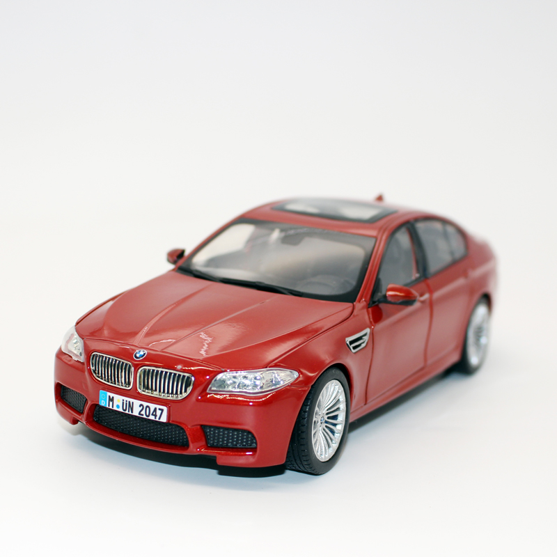 Csl bmw m5 1:242014 alloy car model children's toy car model holiday gift collection red section