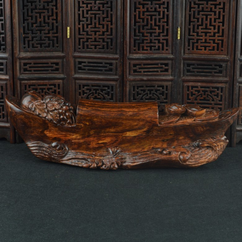 David hausmann workers old material vietnam pear avocado pear wood carvings rewarding boat ornaments hand pieces