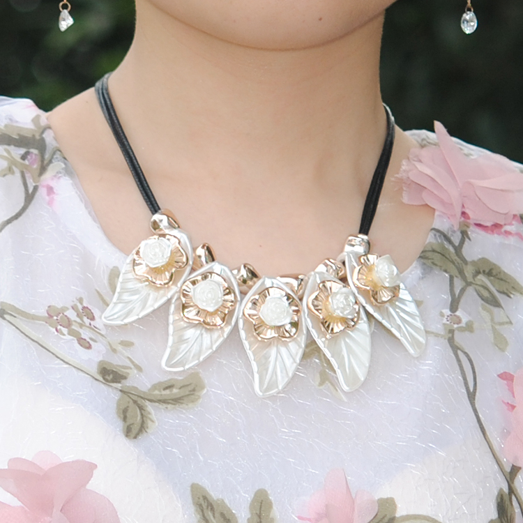 Diy handmade beaded jewelry material package acrylic roses leaves sweater chain necklace fake collar accessories