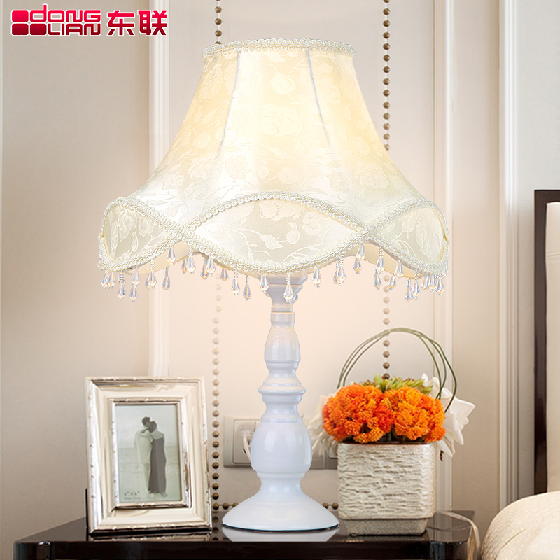 East of the modern minimalist fashion pattern table lamp bedroom lamp bedside lamp bedroom lamp creative decorative lighting