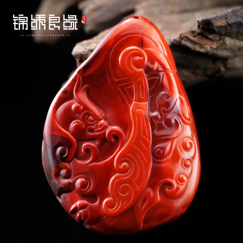 Fiddler liangshan southern red persimmon red agate carved pieces pendant soviet workers wencheng force on TDJ721