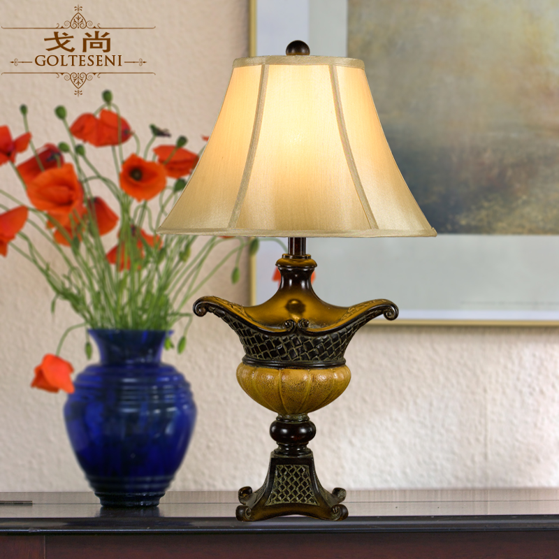 Ge shang european retro decorative classical resin creative living room cozy bedroom bedside lamp wedding gift free shipping