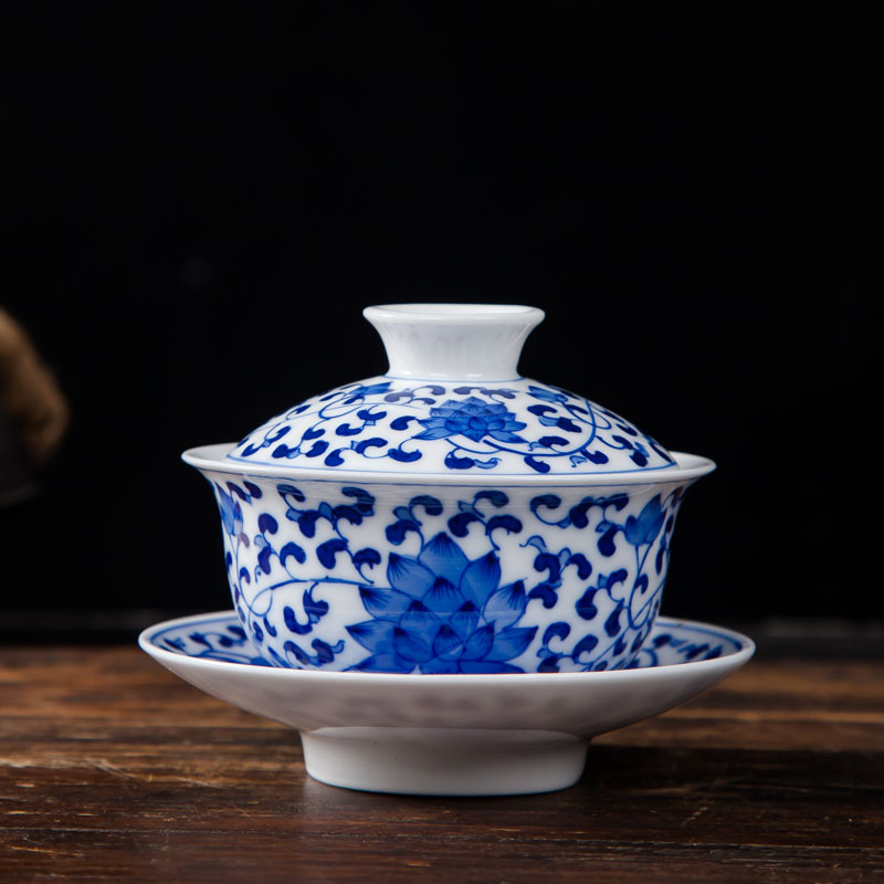 Jingdezhen ceramics painted blue and white porcelain tea bowl tureen bowl with god grasping kung fu tea tea cup