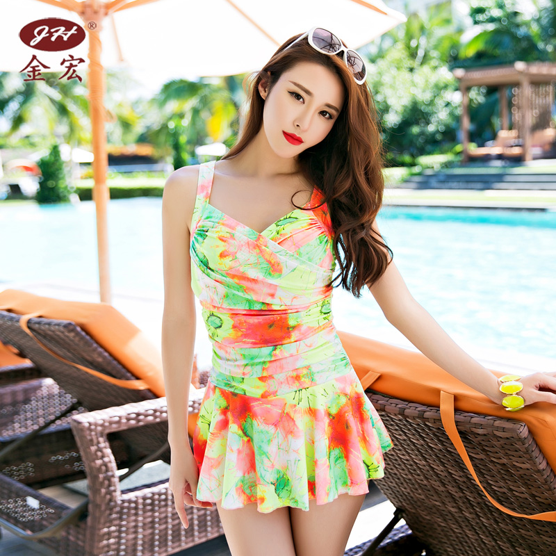 Jinhong new floral swimsuit female small chest gather siamese boxer skirt steel prop gather small chest hot springs bathing suit
