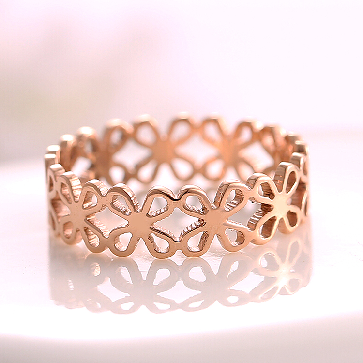 Korean fashion temperament hollow clover ring k rose gold plated titanium steel color gold ring tail ring female gift