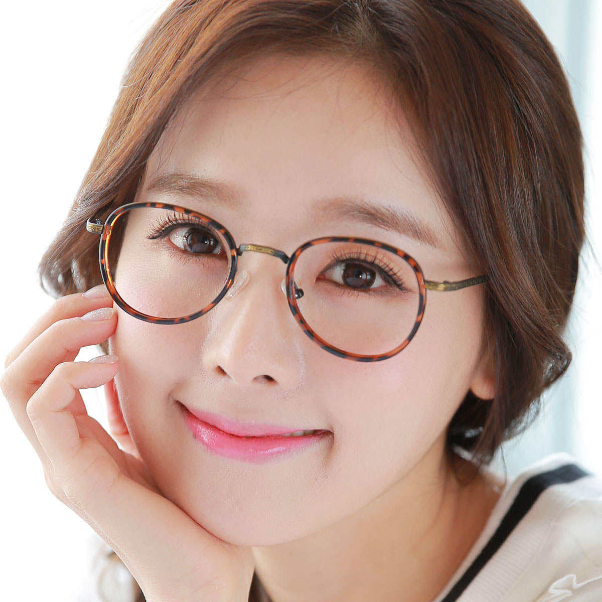 Korean version of the finished myopia glasses retro glasses frame female tide round female student literary ultralight round frame glasses chromotropic