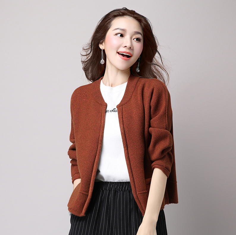 Korean version of the new winter fat mm large size women long sleeve loose cardigan sweater female short paragraph thick sweater coat