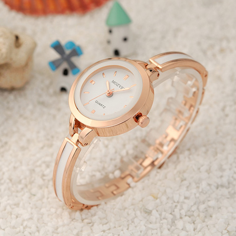 Korean version of the trend of fashion korean version of the simple quartz watch waterproof retro female form female students watch bracelet watch fashion watch