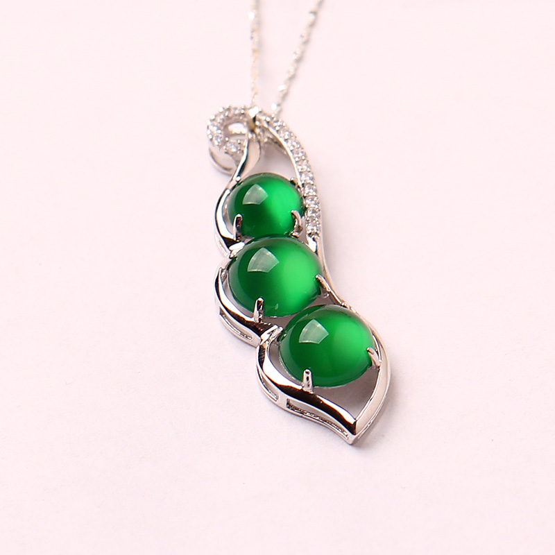 Lynn poetry jewelry 925 silver inlay green beans green chalcedony chalcedony pendant necklace silver pendant to send the certificate