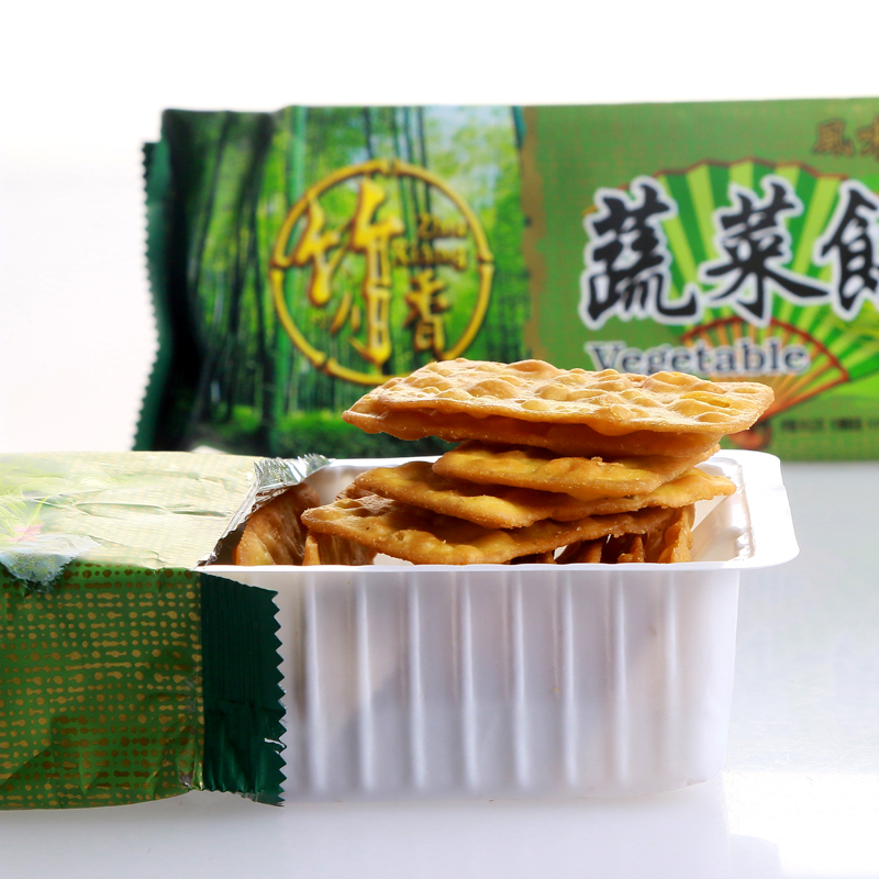 [Lynx supermarket] taiwan imported bamboo incense vegetable pie 80g zero specialty snack food snack crackers