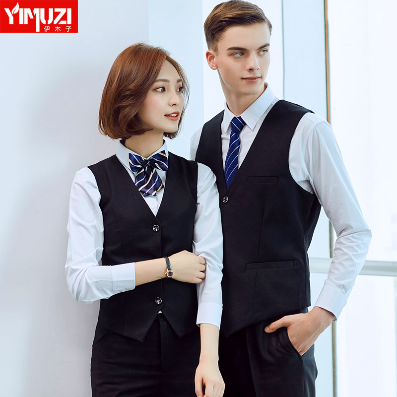 Men and women the same paragraph couple models wear denim overalls pants suit vest suit vest shirt black