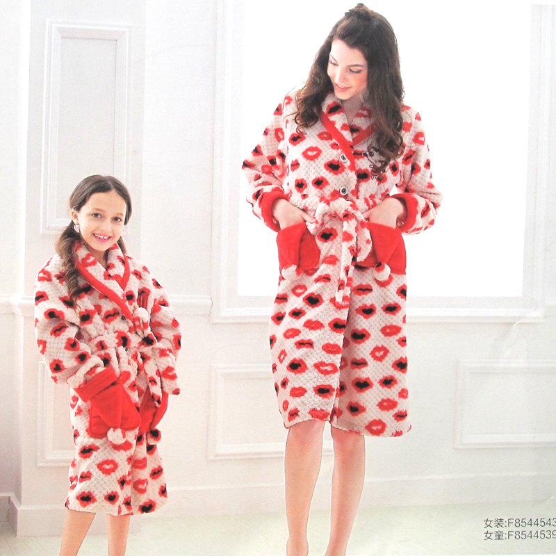 New winter ms. fen teng coral velvet pajamas cute female korean version of the paternity of children's bathrobes pajamas
