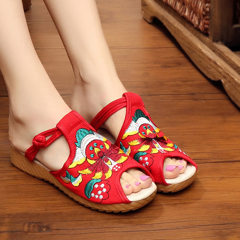 Old beijing cloth shoes female summer sandals child red shoes low heel shoes fish head drag leisure wild embroidered shoes