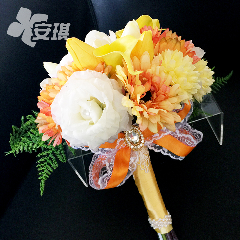 Orange color theme wedding korean bride holding flowers artificial flowers ball wedding celebration supplies creative custom art fan