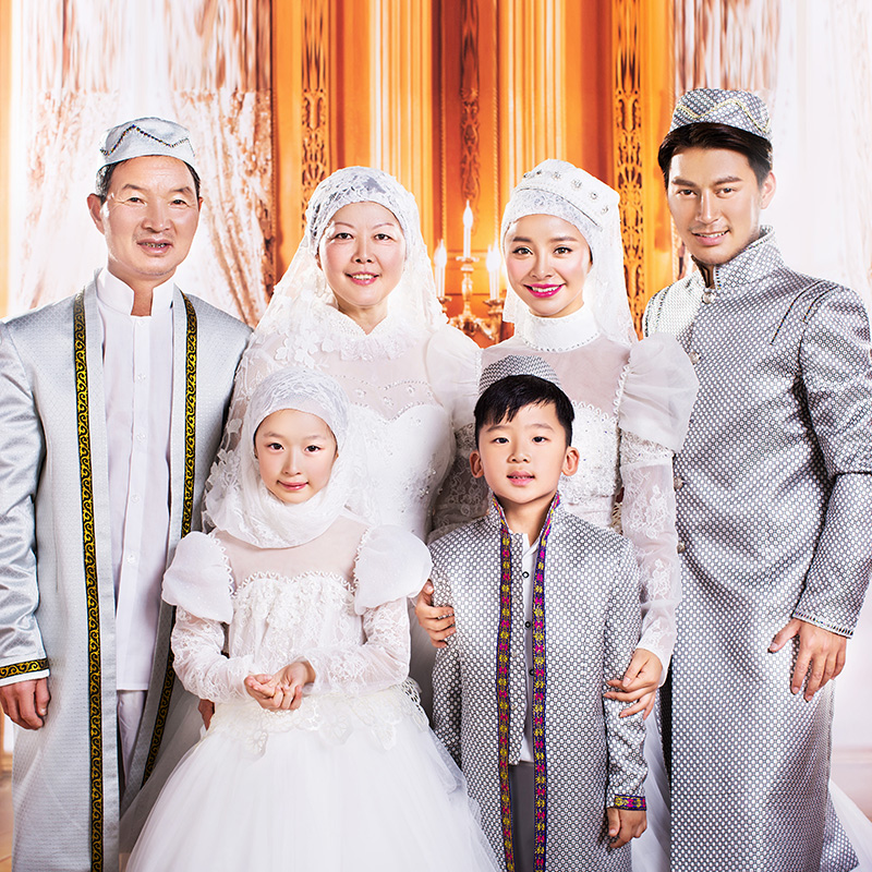 Pakistani muslim family portrait clothing 2016 new wedding dress photo studio theme dress costumes female