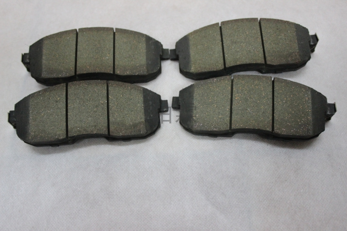 Platinum lin fengshen h30/s30/a60/a30 front brake pads front brake pads rear brake pads after Brake pads brake pads