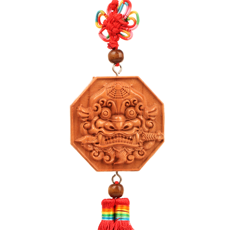 Poly edge feng shui house pure mahogany shoutou mahogany mirror bagua mirror pendant sword lion bite knot of states in the yin and yang mirror ornaments