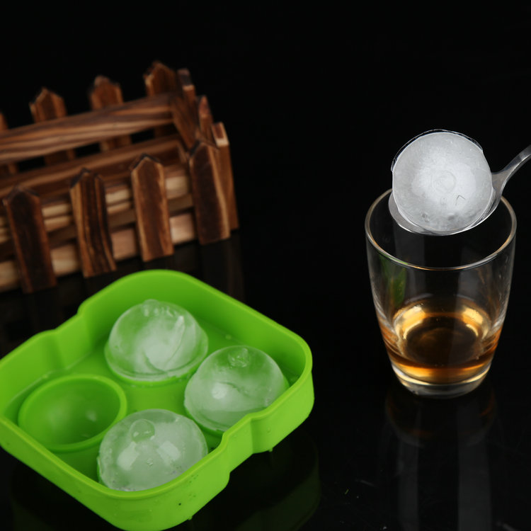 Quadripuntal qi gifted creative silicone ice lattice ice box with lid ice hockey ice mold spherical ice lattice free shipping