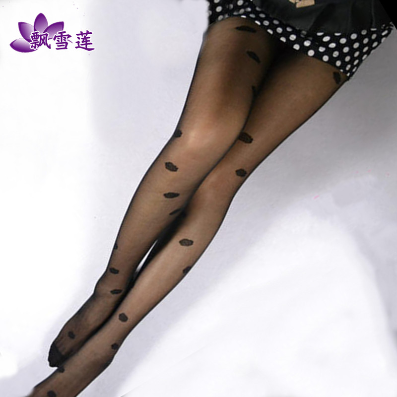 Retro little hearts jacquard silk stockings thin stockings female rompers anti hook thin sexy black silk stockings pantyhose sexy temptation