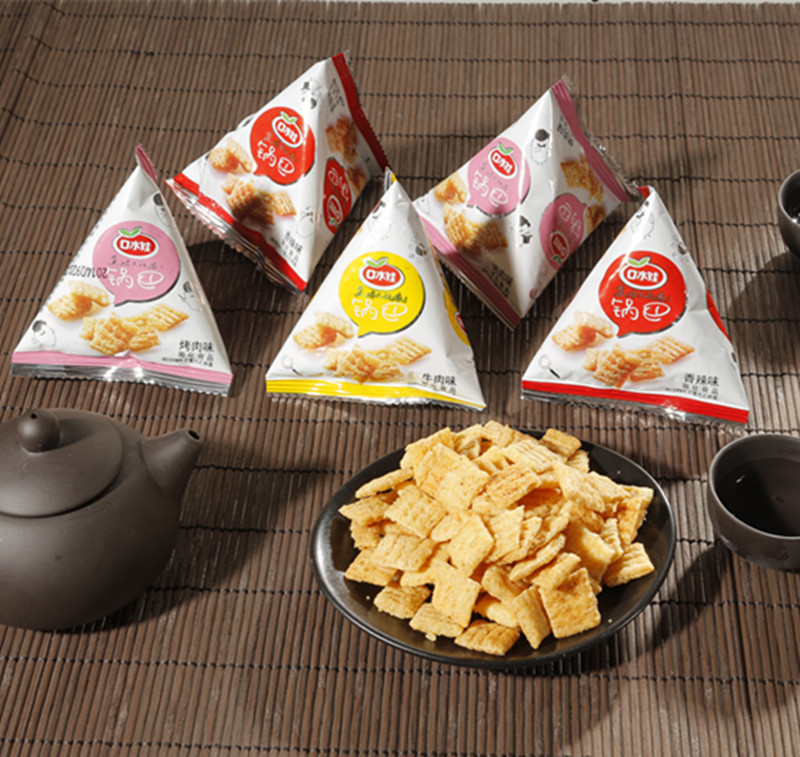 Saliva baby crispy triangle bag of millet crust crispy puffed food 300g small package of biscuits snack snack packs