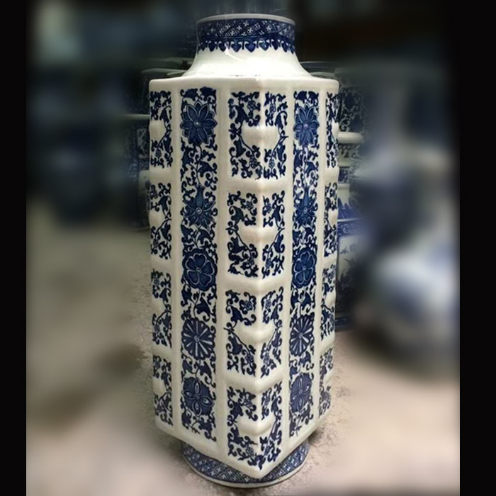 Square antique jade jingdezhen porcelain blue and white porcelain vase square foreign inner circle archaized feng shui flower bottle