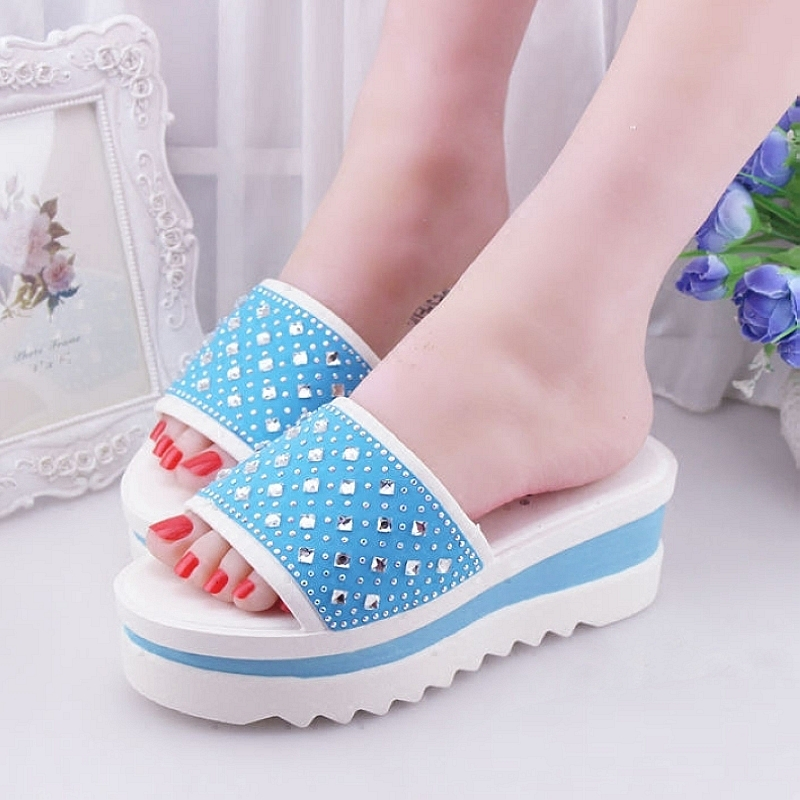 Summer women high heels korean version of the diamond fashion sandals and slippers female slope with thick crust muffin slippers home slippers summer sandals and slippers